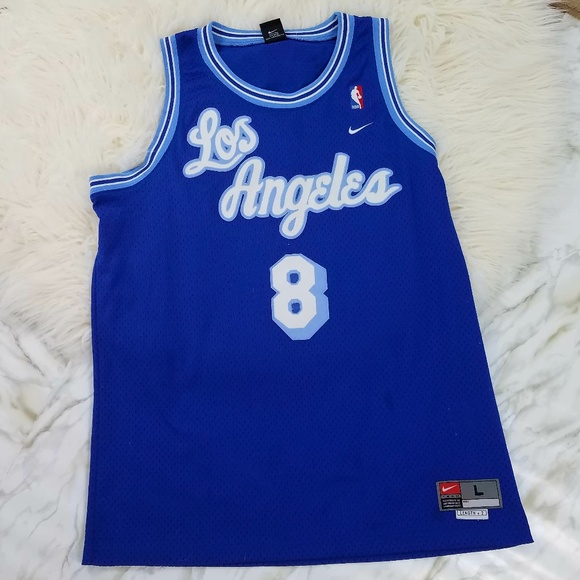 NIKE Los Angeles Lakers Kobe Bryant 8 Blue Jersey.  M 5ab42e6b3afbbdaa24284129 5940cf6b1